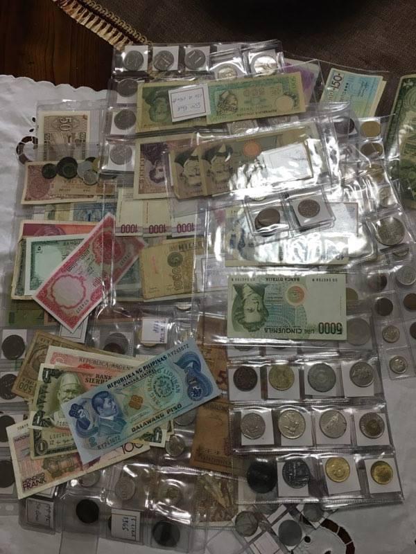 Vasta collezione di monete